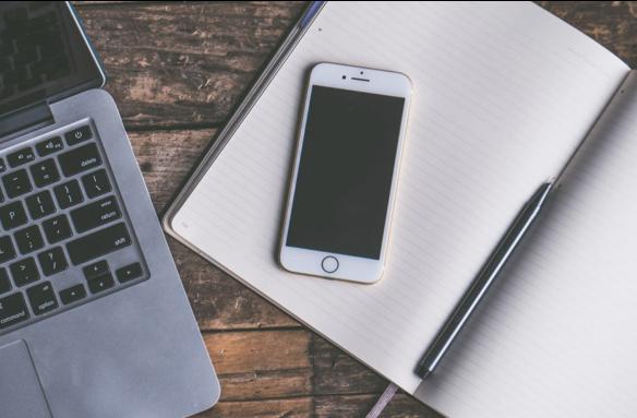 portatil y iphone